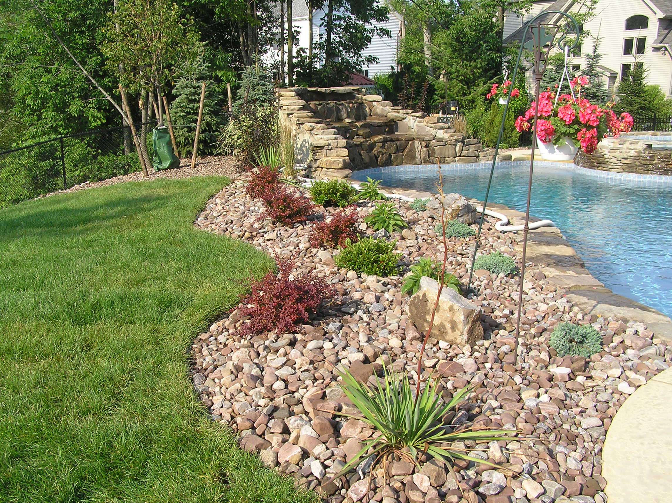 Greenview landscaping lawncare hardscape irrigation for Gardening and landscaping services